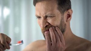 Sangrado de encías 1ª consulta gratis en Domus Dental A Coruña